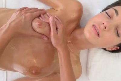 premie erotische massage borst